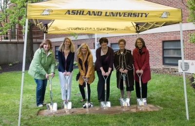 Ashland University Women's Auxiliary Breaks Ground for New Prayer Garden